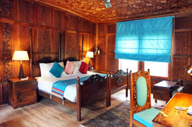 Super Deluxe Houseboat Room