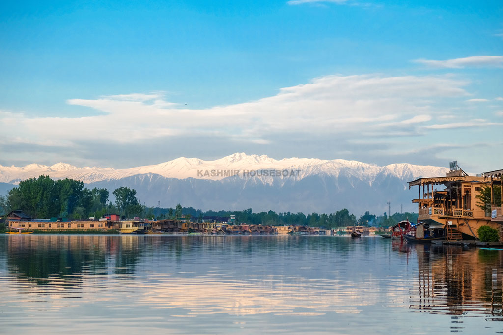 History of Kashmir Houseboats
